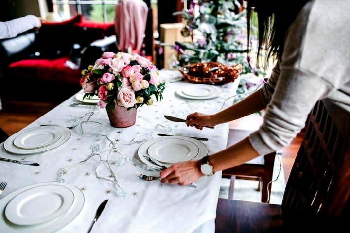 Poner la mesa haz nuestro test for Colocacion de los cubiertos en una mesa